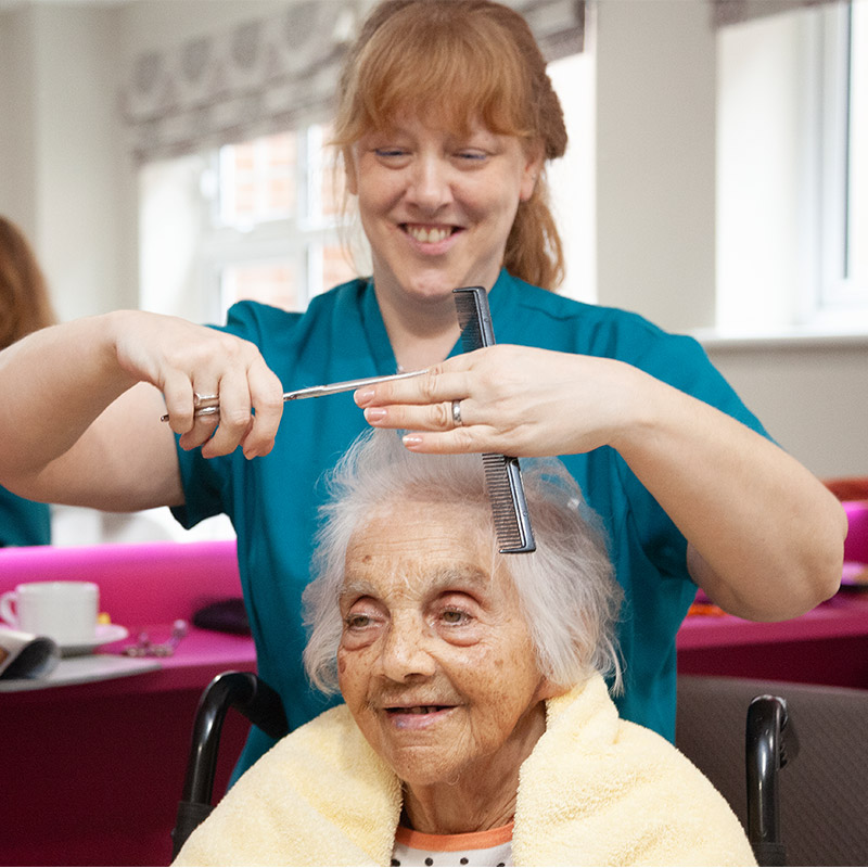 Personalised and enabling care at Cedar View Care Centre Croydon